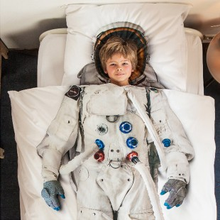 awesome-design-astronaut-linen-snurk-1