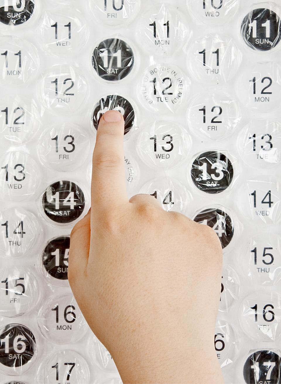 awesome-design-ideas-bubble-calendar-2013-2
