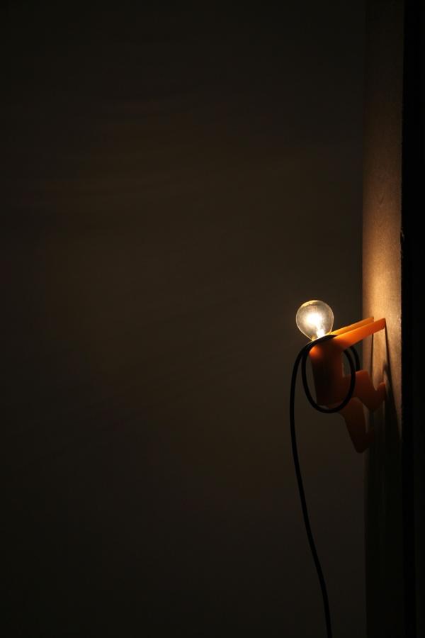 awesome-design-ideas-Tete-Ampoule-Lamp-Jonathan-Gomez-3