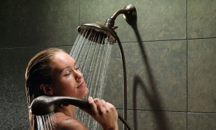 awesome-design-ideas-Two-in-One-Showerhead-Handshower-ManKi-Yoo-1