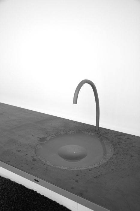 awesome-design-ideas-Watertable-Sink-Which-Changes-Volume-Sophie-Mensen-6