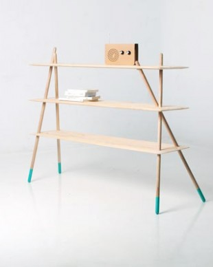 awesome-design-ideas-Lain-Wooden-shelf-Laura-Caceres-Pablo-Garcia-Guardiola-1