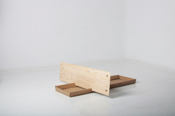 awesome-design-ideas-Lain-Wooden-shelf-Laura-Caceres-Pablo-Garcia-Guardiola-2