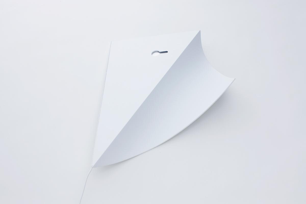 awesome-design-ideas-Peel-Wall-Light-YOY-Naoki-Ono-Yuki-Yamamoto-5