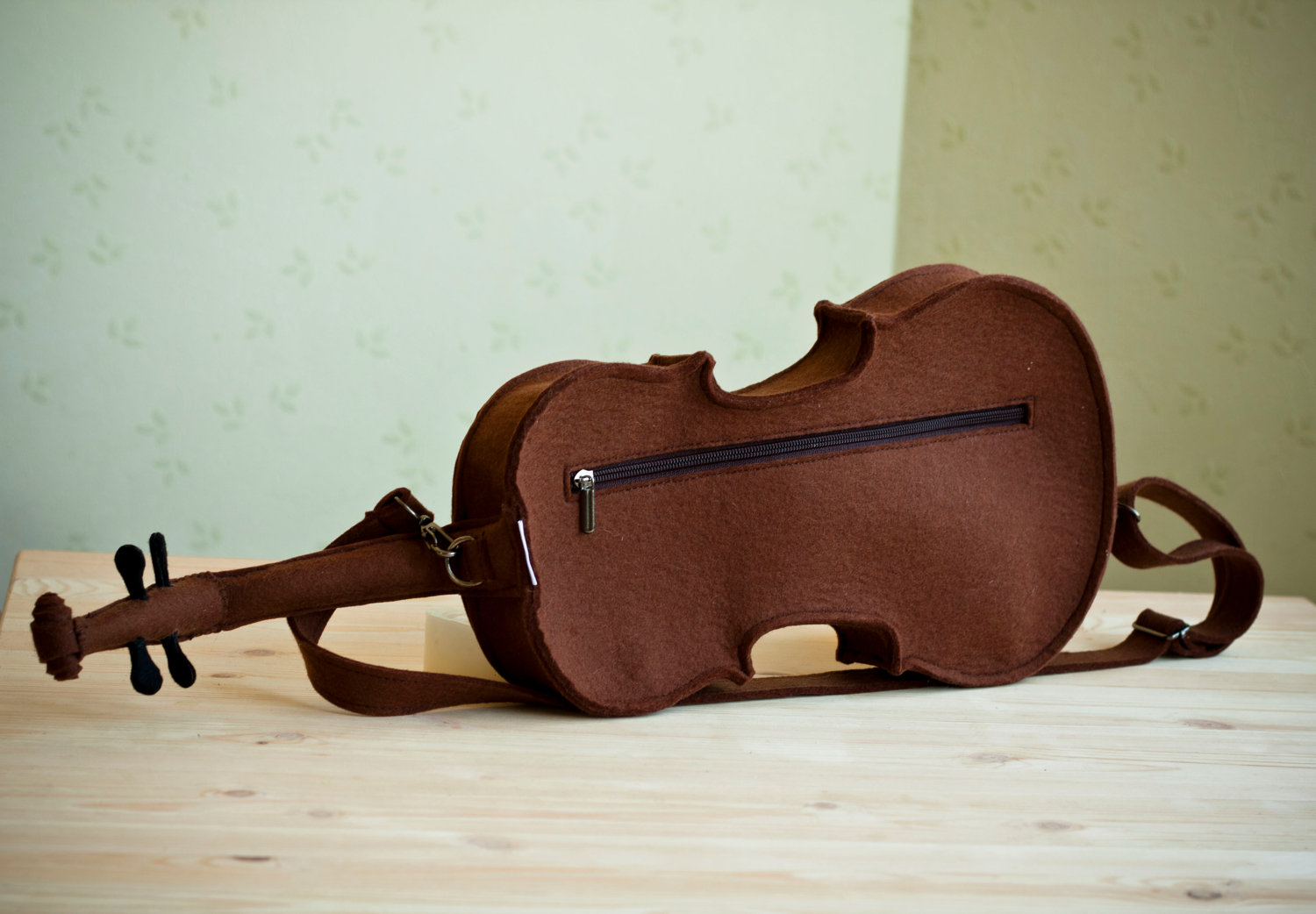 awesome-design-ideas-Brown-Felt-Violin-Bag-Krukru-Studio-4