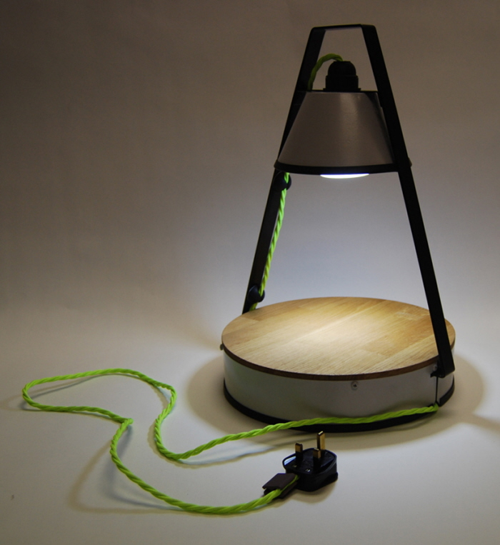 awesome-design-ideas-Rechargeable-Outdoor-Table-Lamp-Lawrence-Magennis-1