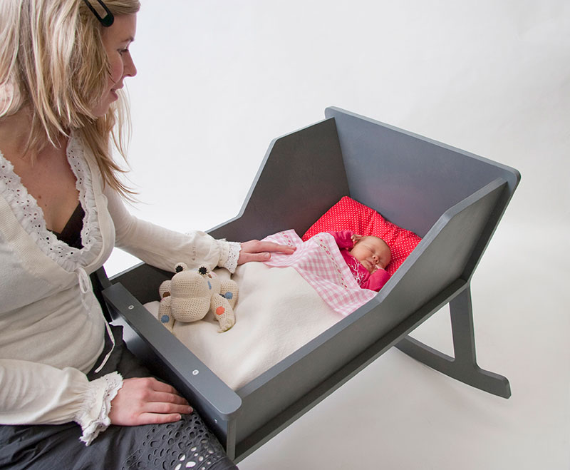 awesome-design-ideas-Rocking-Chair-Cradle-Ontwerpduo-4