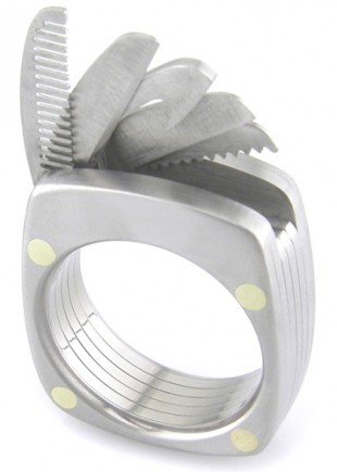 awesome-design-ideas-The-Man-Titanium-Ring-Bruce-Boone-0