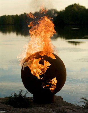 awesome-design-ideas-Third-Rock-Fire-Pit-Globe-Rick-Wittrig-1