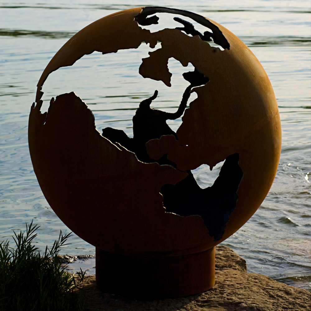 awesome-design-ideas-Third-Rock-Fire-Pit-Globe-Rick-Wittrig-3