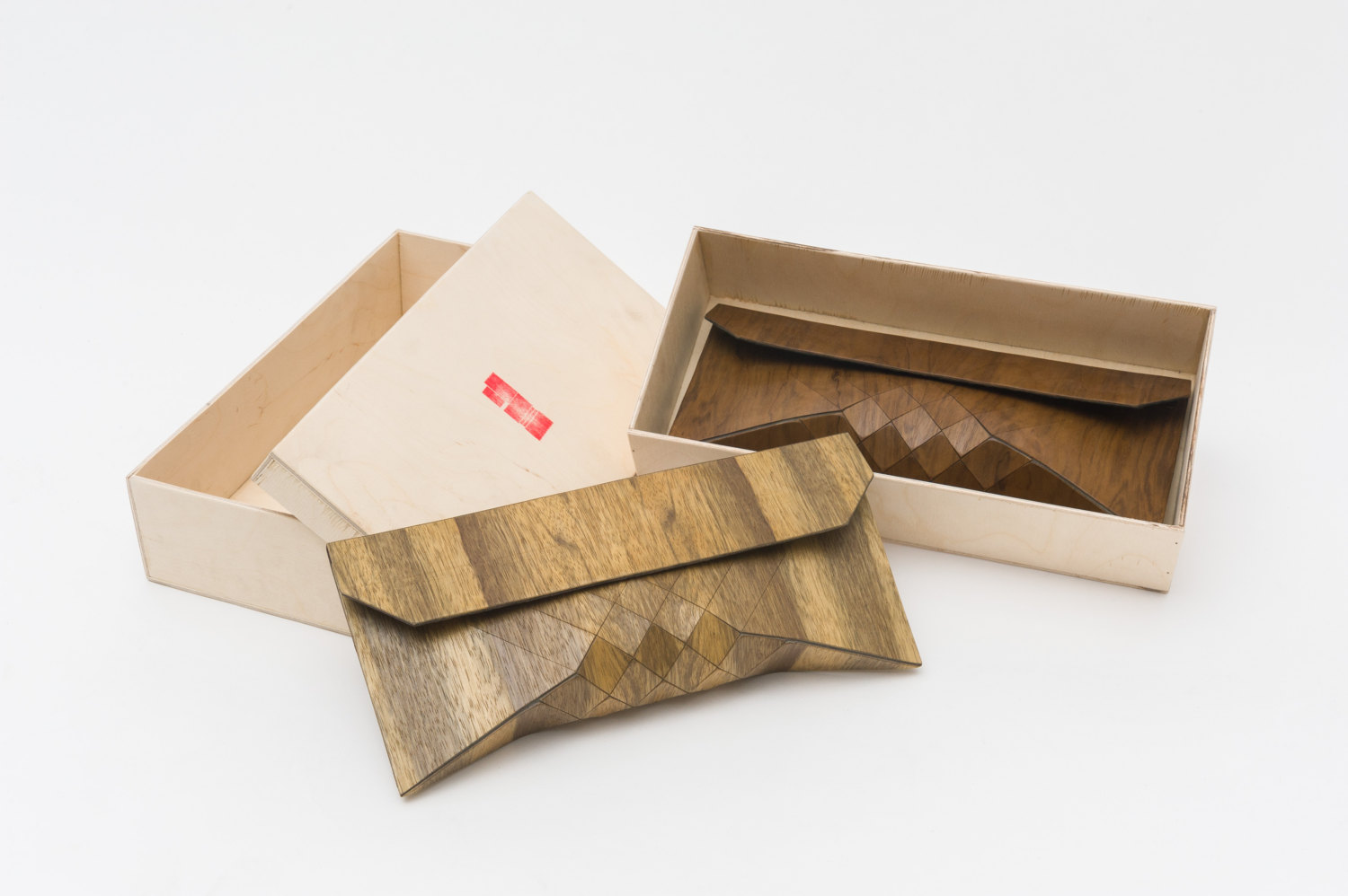 awesome-design-ideas-Wood-Clutch-TeslerMendelovitch-5