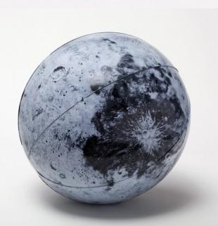 awesome-design-ideas-Inflatable-Moon-luna-Ball-Ossnat-Alon-1