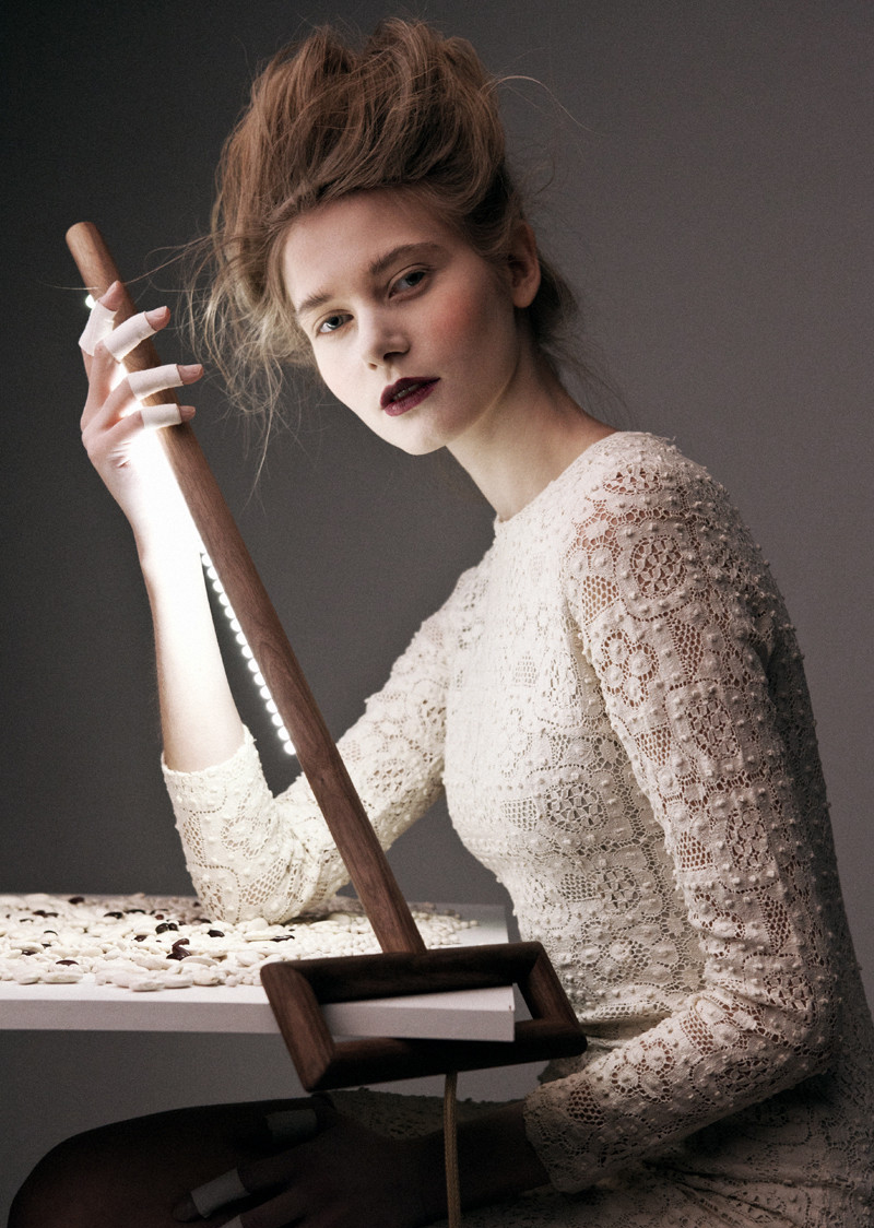 awesome-design-ideas-Ugol-Table-Lamp-Yaroslav-Misonzhnikov-4