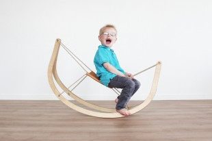 awesome-design-ideas-Gro-Rocking-Horse-Michael-Svane-Knap-Christian-Troels-1