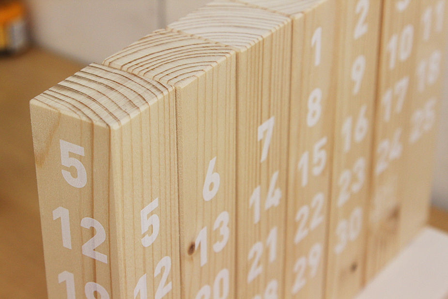 awesome-design-ideas-Wood-Calendar-Munito-6