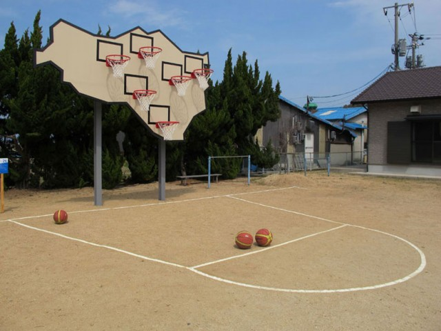 awesome-design-ideas-Multi-Basket-Playground-llobet-Pons-3