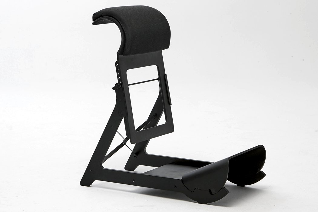 awesome_design_ideas_Standing_chair_Ariel_Levay_4